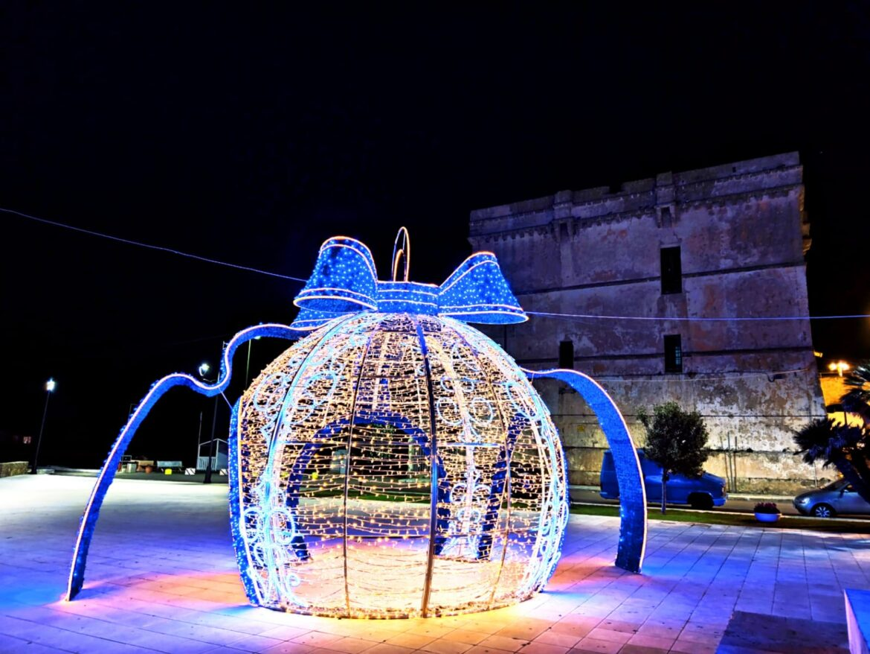 """[gallery] – Installazioni natalizie a Porto Cesareo: """"Ricorrenza che celebra la vita"""""""