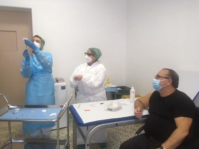 """[gallery] – Vax day a Lecce, Rollo: """"Fiducia nella scienza e nella ricerca"""""""