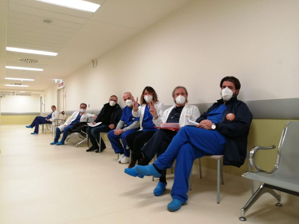 Superate le 16 mila dosi di vaccino già somministrate in Puglia. Oltre mille i nuovi positivi