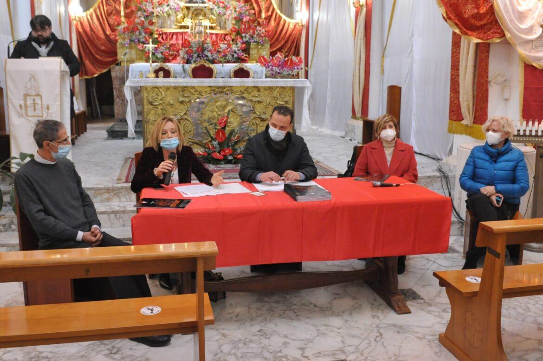 Fòcara di Novoli, la tradizione si rinnova tra preghiera, speranza e ritmo di taranta