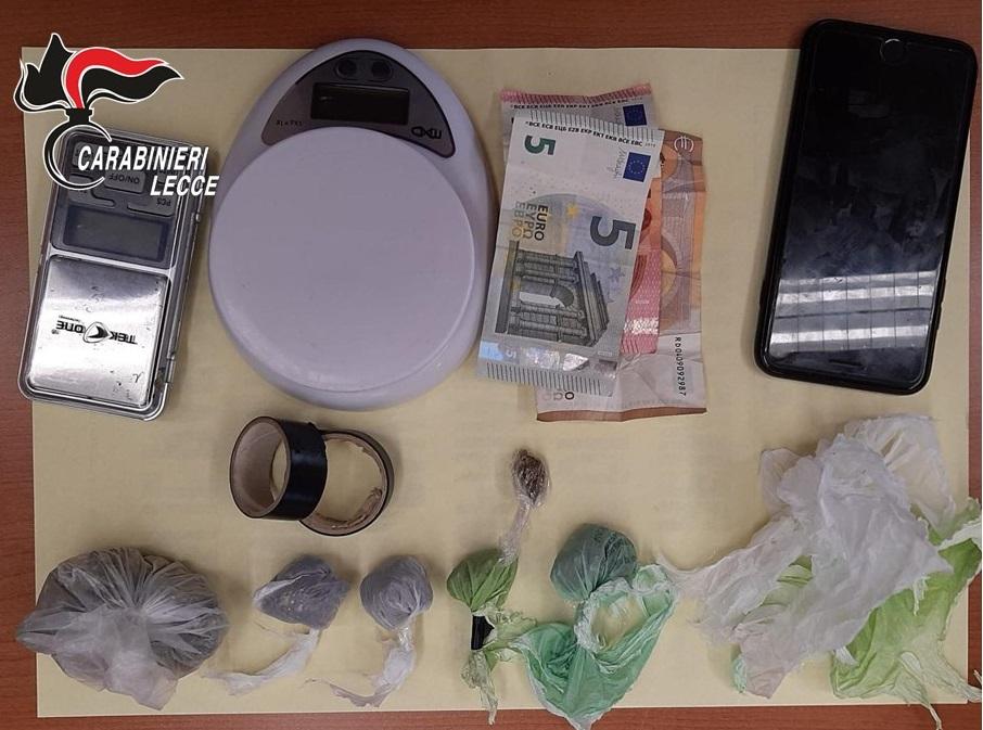 Spaccio di marijuana, due arresti a Lecce ed Alliste