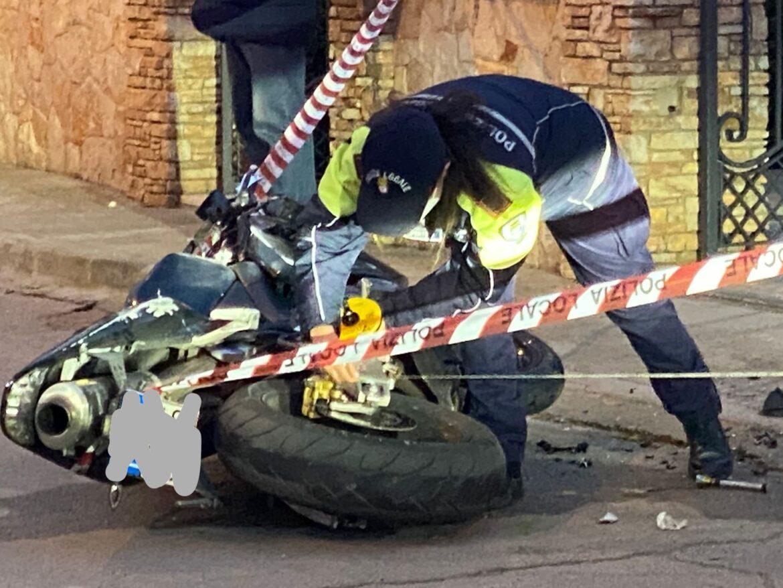 Impatto in moto contro un'abitazione, muore 28enne di Copertino
