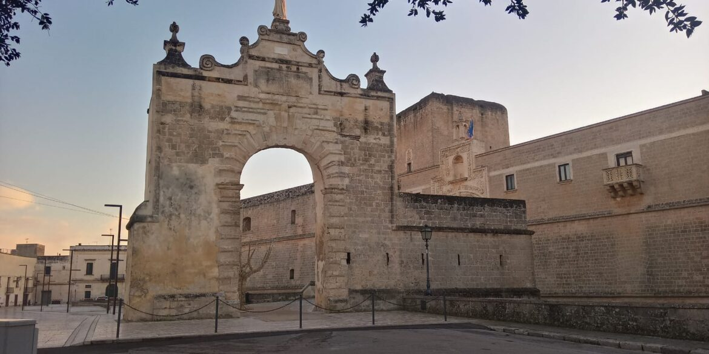 La porta e il castello