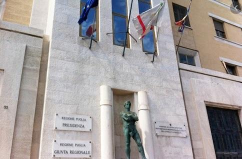 """La  pentastellata Barone nella Giunta Emiliano. FdI: """"Imbarazzante"""""""