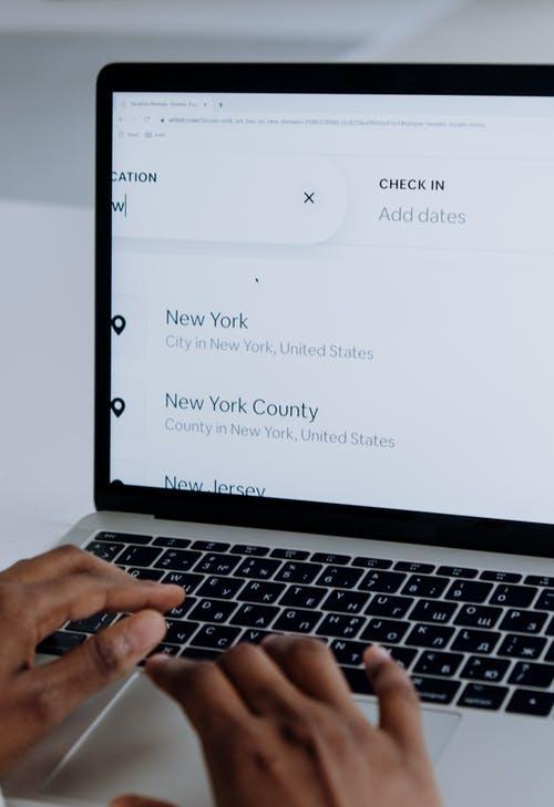 Washington: Airbnb blocca le prenotazioni nella settimana dell' insediamento del Presidente