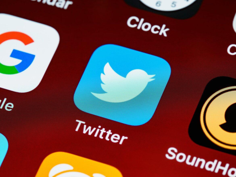 Twitter crolla in borsa dopo l'espulsione di Trump