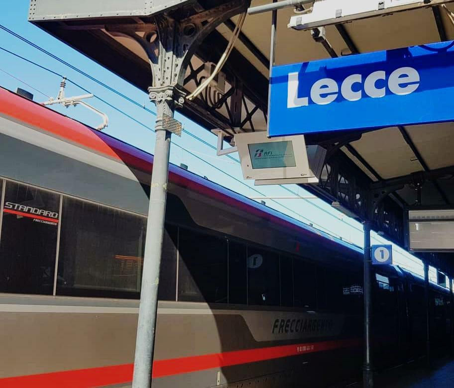 È di un 17enne il cadavere rinvenuto sulla motrice del treno Milano/Lecce: si era allontanato da casa a gennaio