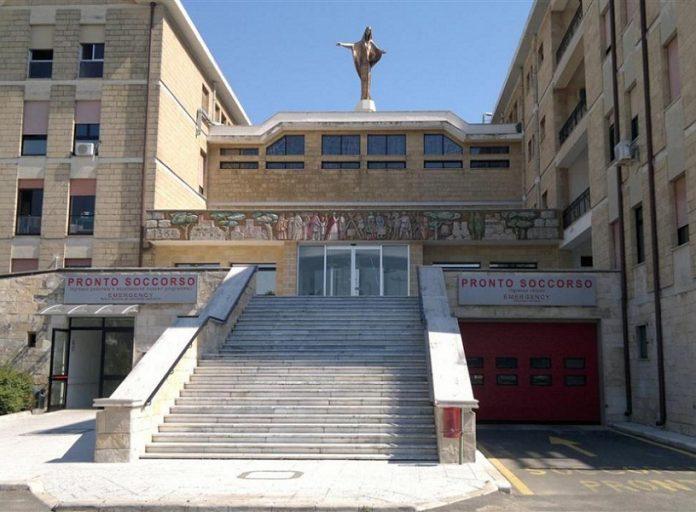 """Ospedale di Galatina, la denuncia di Fp-Cgil: """"Personale sotto stress nel reparto covid, situazione rischiosa"""""""