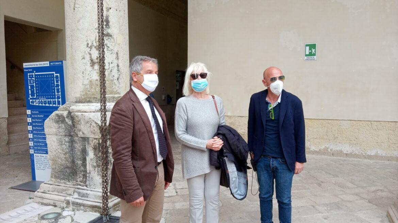 """[video] – """"Quando Garinei mi disse che i talenti vanno sfruttati"""". Loretta Goggi in visita a Lecce si racconta"""