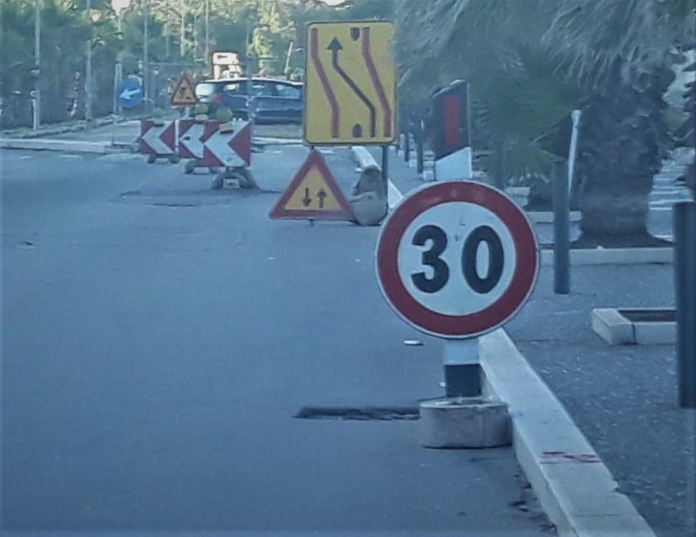 Programma regionale per sistemare strade e marciapiedi: 100 milioni di euro ripartiti per i 257 Comuni pugliesi