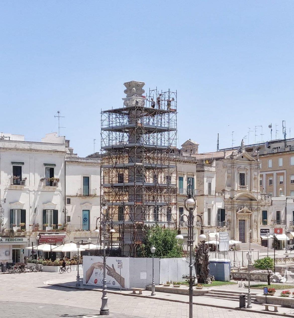 Colonna di piazza sant'Oronzo, via le impalcature ma non le polemiche. Sull'asse Lecce-Brindisi