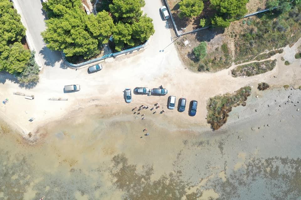 Porto Cesareo, auto sulla battigia e rifiuti all'Isola dei Conigli: gli scempi continuano. E pure le denunce